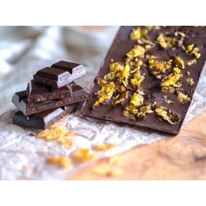 Schokolade mit Cornflakes Nahaufnahme