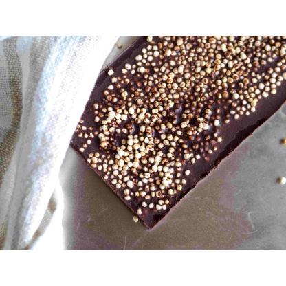 Schokolade mit Quinoa von oben Nahaufnahme
